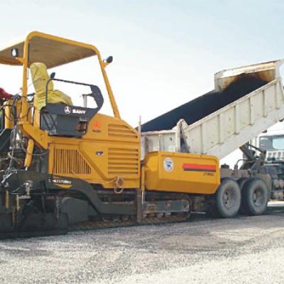 三一筑路设备参与阿尔及利亚东西高速公路工程
