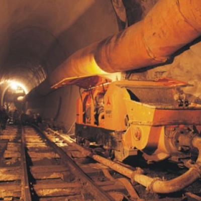 三一设备施工于歌乐山隧道