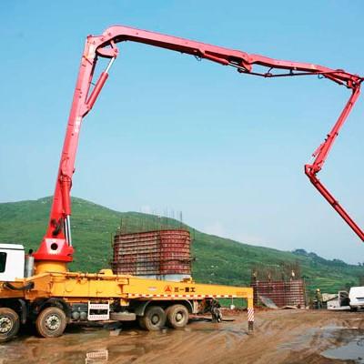 三一泵车在武广高铁章水河特大桥施工